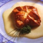 Cabécou en feuilleté sauce Roquefort